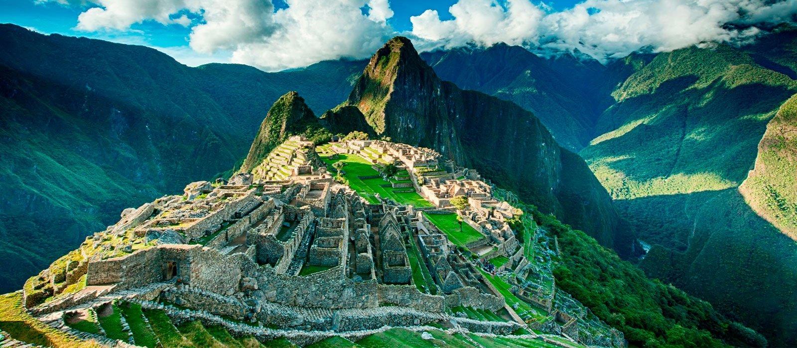 Ausangate, Rainbow Mountain & Machu Picchu