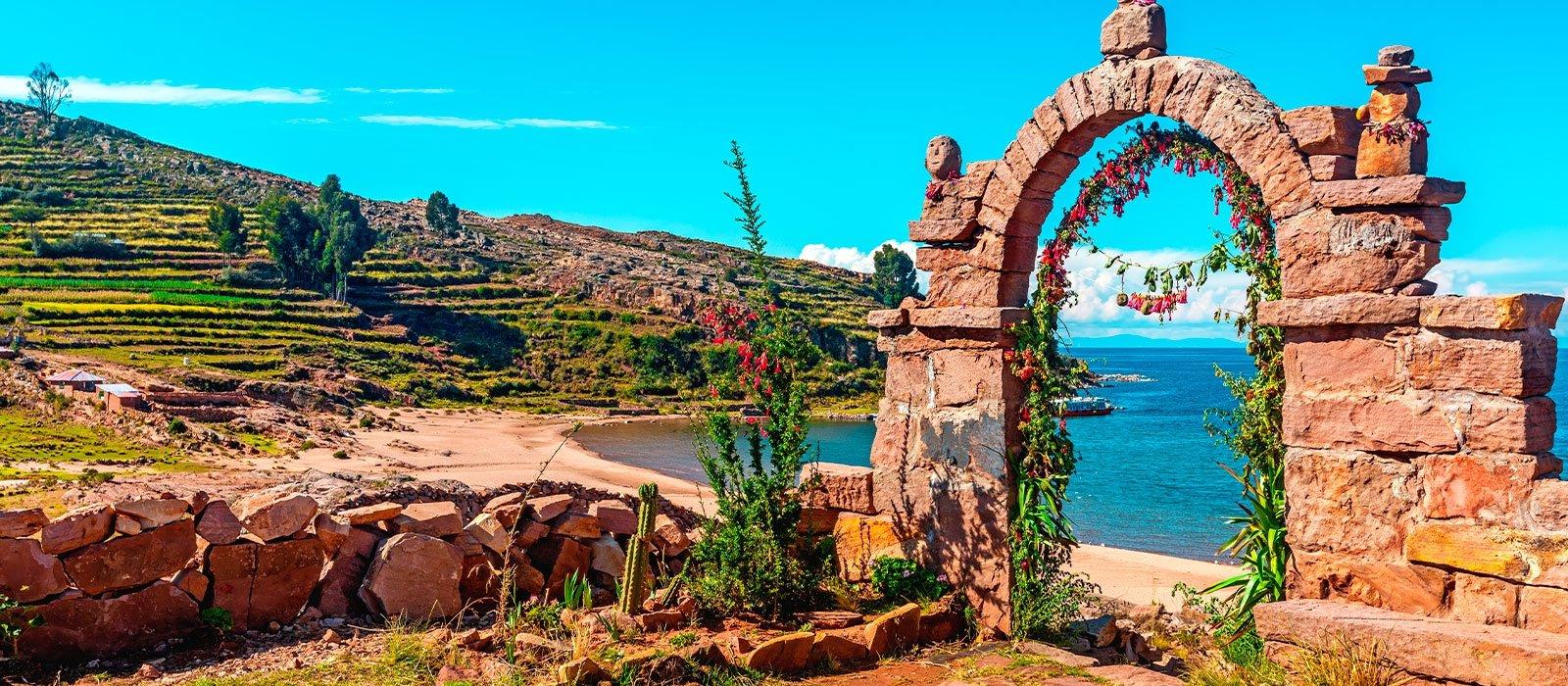 Titicaca Islands: Uros, Taquile & Luquina